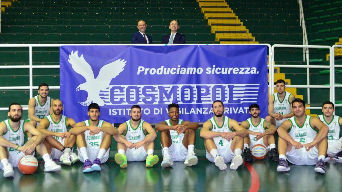 La Cosmopol sostiene la squadra di basket della Scandone